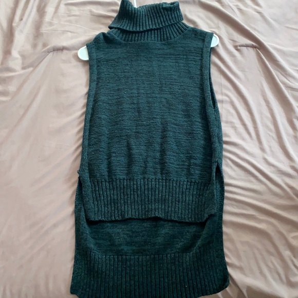 Forest green turtle neck